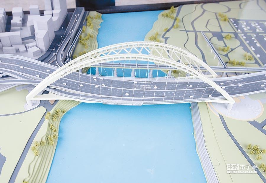 改建後中正橋模型(陳怡誠攝)