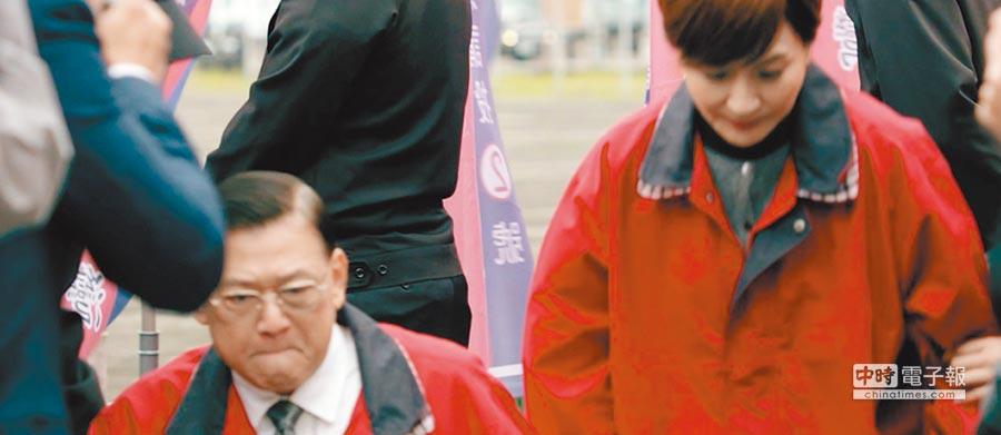 傅傳傑(左)在《幻術》中飾演連戰。