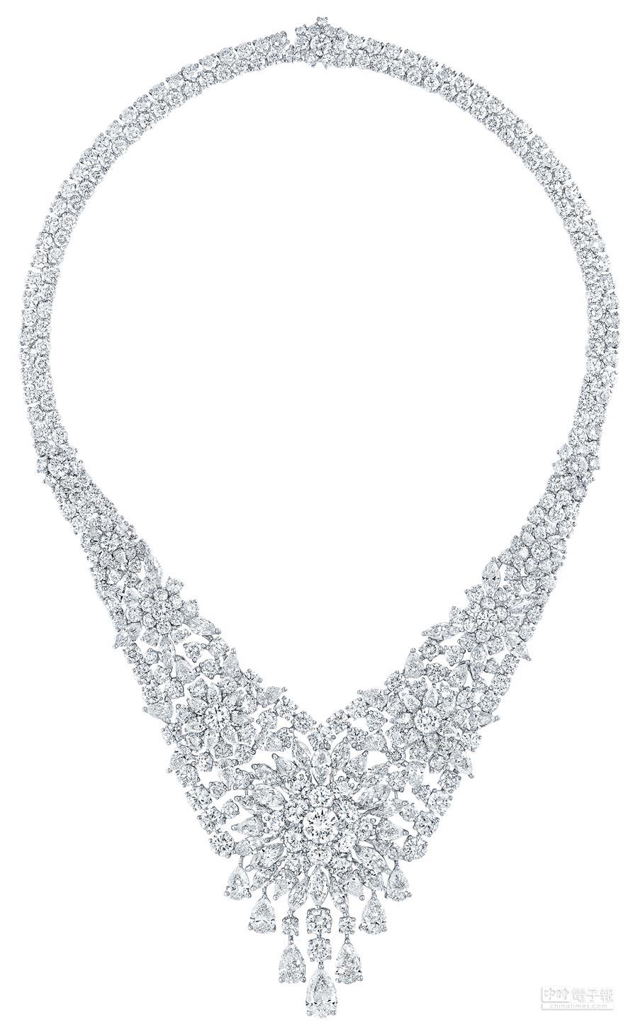 格拉夫多形切割鑽石項鍊,鑽石共重100.48克拉。(GRAFF提供)