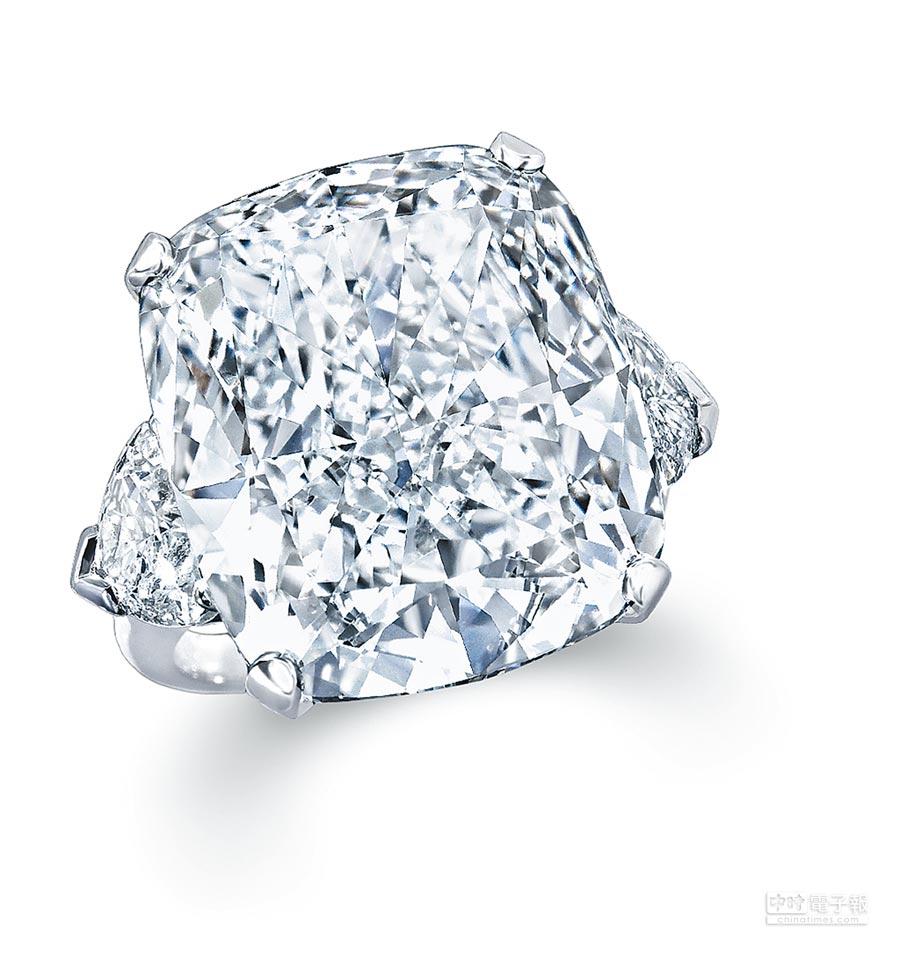 格拉夫23.55克拉枕形切割鑽石戒指。(GRAFF提供)