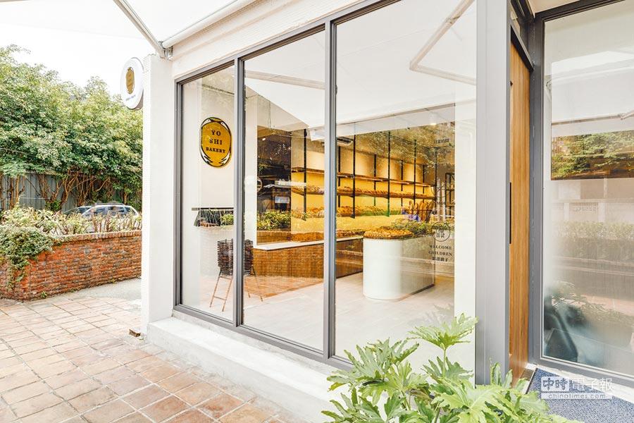 2017年世界麵包大賽冠軍陳耀訓,結束高雄麵包店「巴黎波波」門市,到台北敦北商圈開設新品牌「陳耀訓‧麵包埠」(Yoshi Bakery),主打社區型麵包店。(Yoshi Bakery提供)