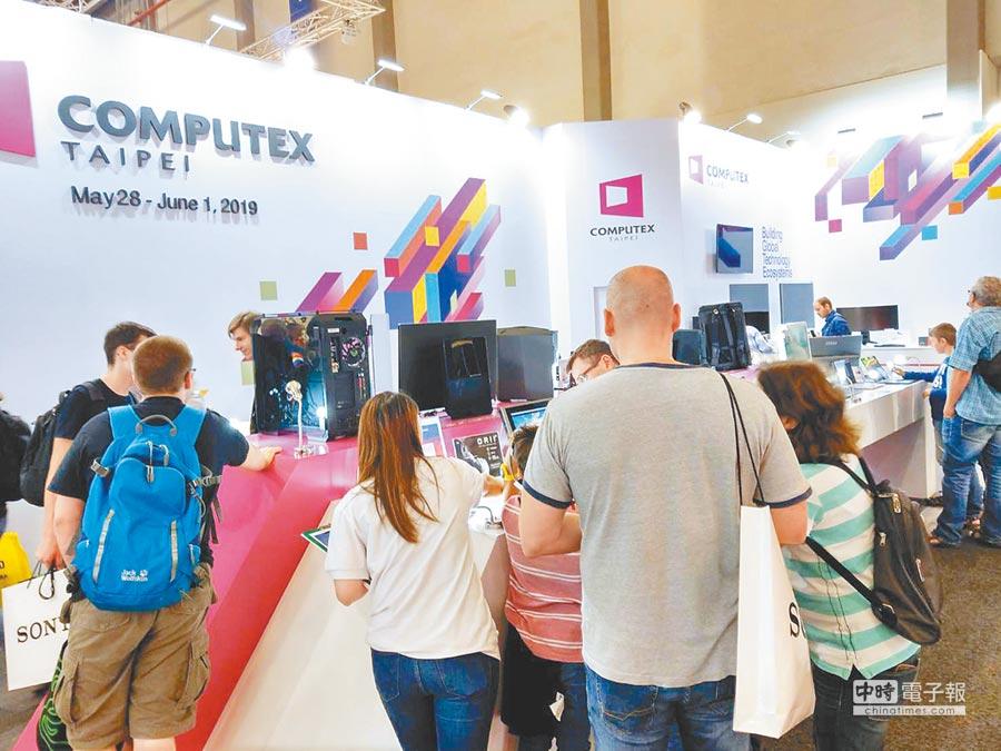 2018年9月5日,台灣資通訊產品在柏林IFA展吸引大批買主參觀。(貿協提供)