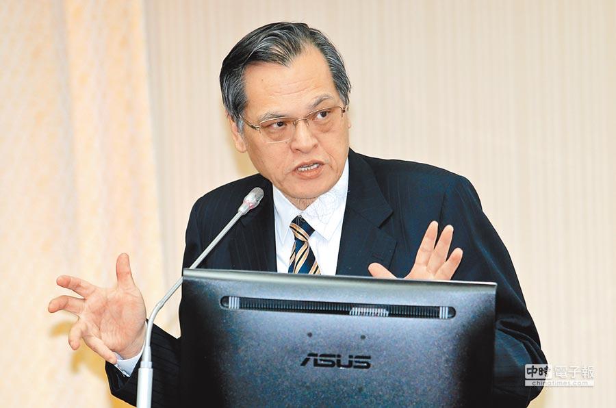 陸委會主委陳明通6日在立法院發表言論。(本報系記者黃世麒攝)