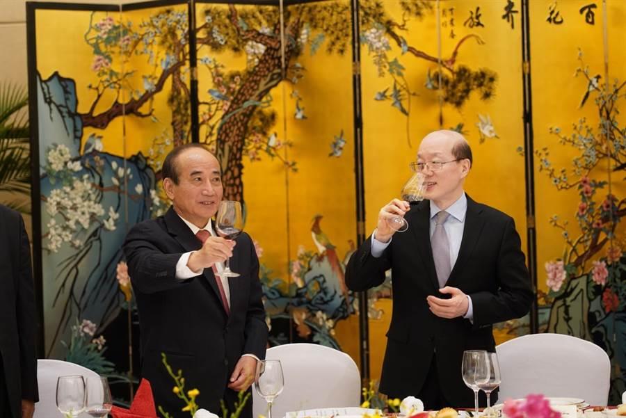 王金平8日上午與劉結一會面並進行午宴。(王辦提供)