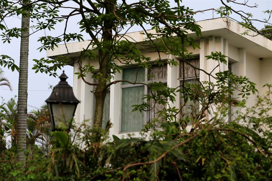翁明昌夫婦的遺體,目前都還暫放在陽明山永公路的這棟豪宅內。〈中時資料庫〉