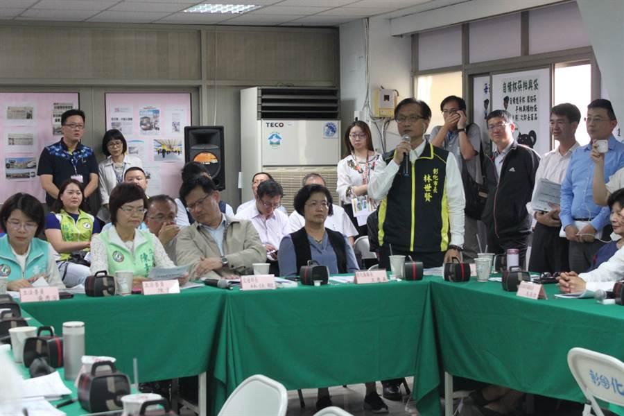 彰化市長林世賢爭取提高補助。(吳敏菁攝)