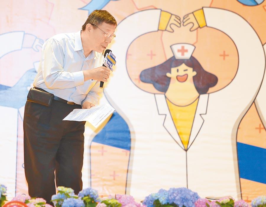 台北市長柯文哲7日出席國際護師節大會,針對選舉無效訴訟10日將一審宣判,外傳若法院判他當選無效,他將順勢宣布參選總統,他表示一審沒有影響,最後還是會拖到11月。(季志翔攝)
