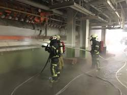 富喬公司火警 高溫玻璃熔漿溢出地面
