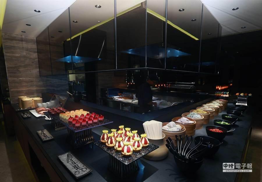 華航新世代貴賓室頭等艙乘客用餐區。(資料照片/華航提供)