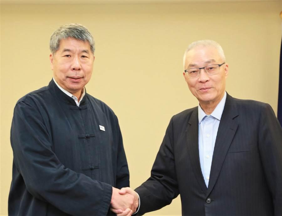 張亞中(右)9日上午與吳敦義會面。(國民黨提供)
