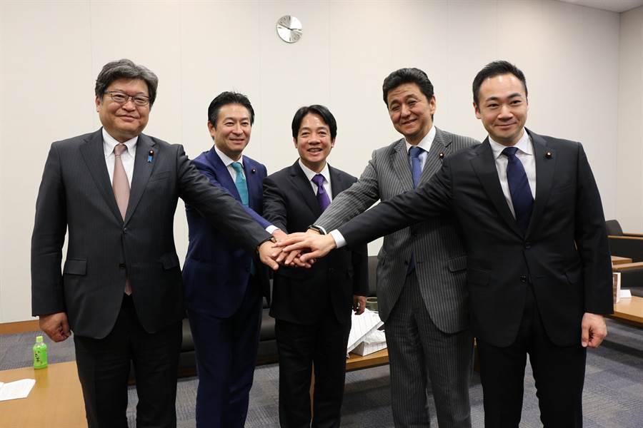 前行政院長賴清德與安倍胞弟岸信夫等國會議員會談。