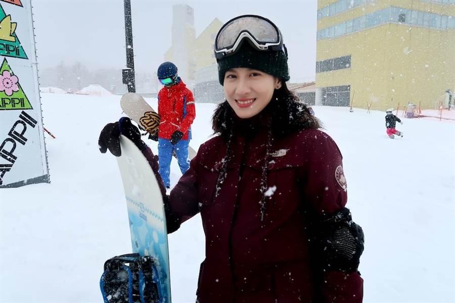 連俞涵日前到日本初體驗滑雪。(圖片提供:三立)