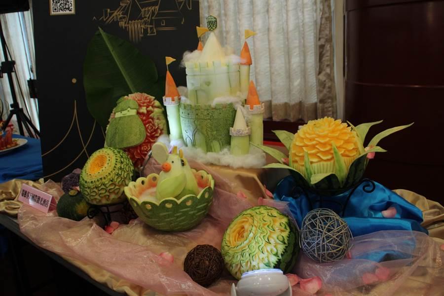 瑞穗春天溫泉酒店獲得西瓜果雕首獎。(張祈攝)