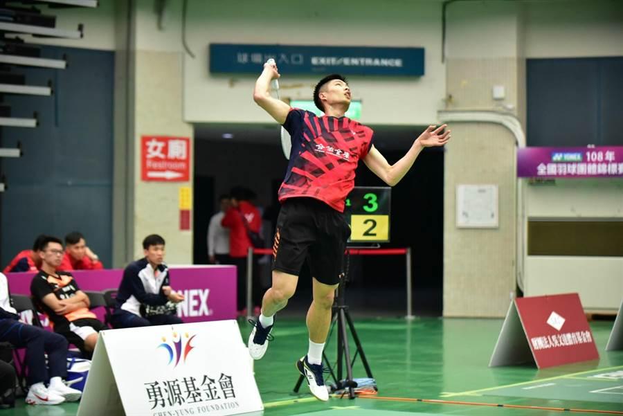 台灣一哥周天成率領合庫A隊闖進全國團體賽最後4強。(中華羽協提供)