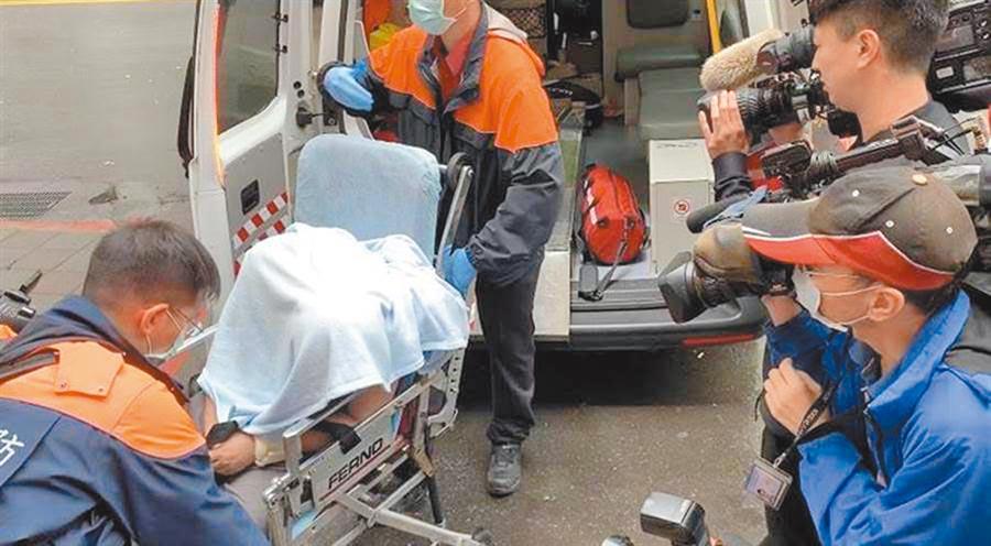 「騙扁小子」黃琪多次稱病,高院8日傳他出庭,他又因身體不適陷入昏迷送醫。(林偉信攝)