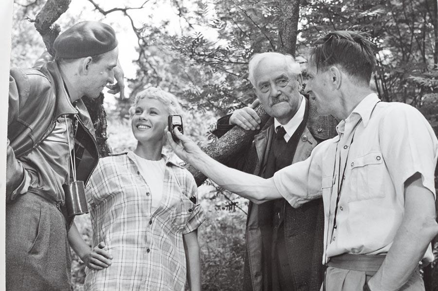 比比安德森(左二)與柏格曼(左一)。(嘉義國際藝術紀錄片影展提供)