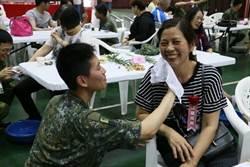 女少校兼母職!國防拍影片「守護的媽媽」賀母親節