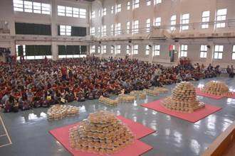 大成商工2000個蛋糕過母親節 學生家長都滿意