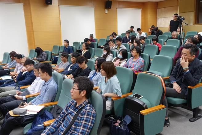 虎尾科技大學舉行「跨域協作,地方創生」座談會,各界與會交流意見。(許素惠攝)