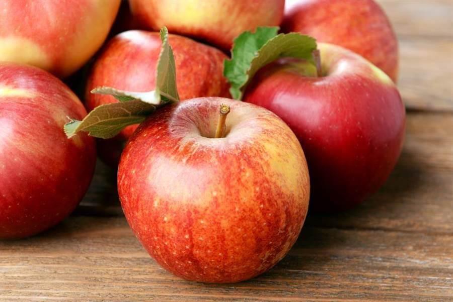 研究指出,蘋果連皮吃更好,可對抗肝癌、腸癌和乳癌。(達志影像)