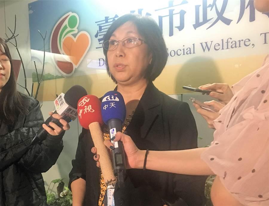 台北市社會局副局長張美美10日出面說明。(吳堂靖攝)