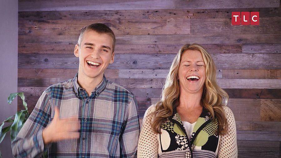 母子卡莉和崔斯坦所組成的最強裝修設計母子檔。(TLC旅遊生活頻道)