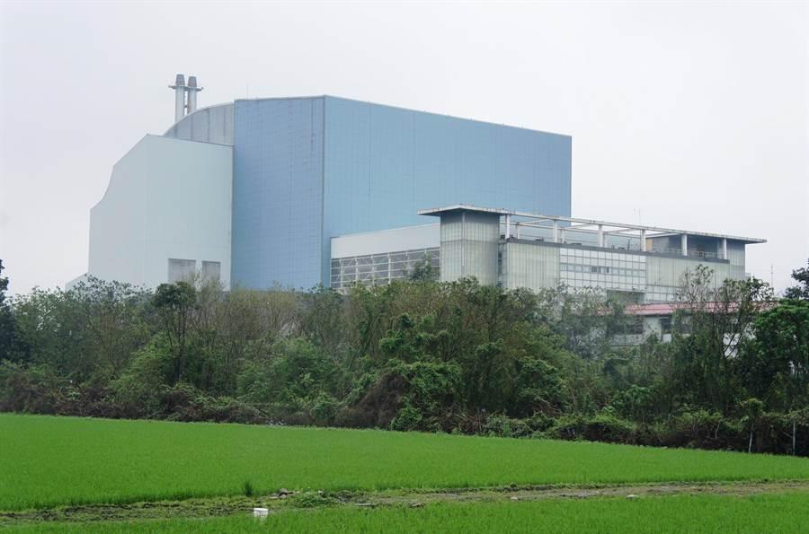 林內焚化廠完工13年迄今未試車,縣府去年清償35.6億元完畢。(周麗蘭攝)