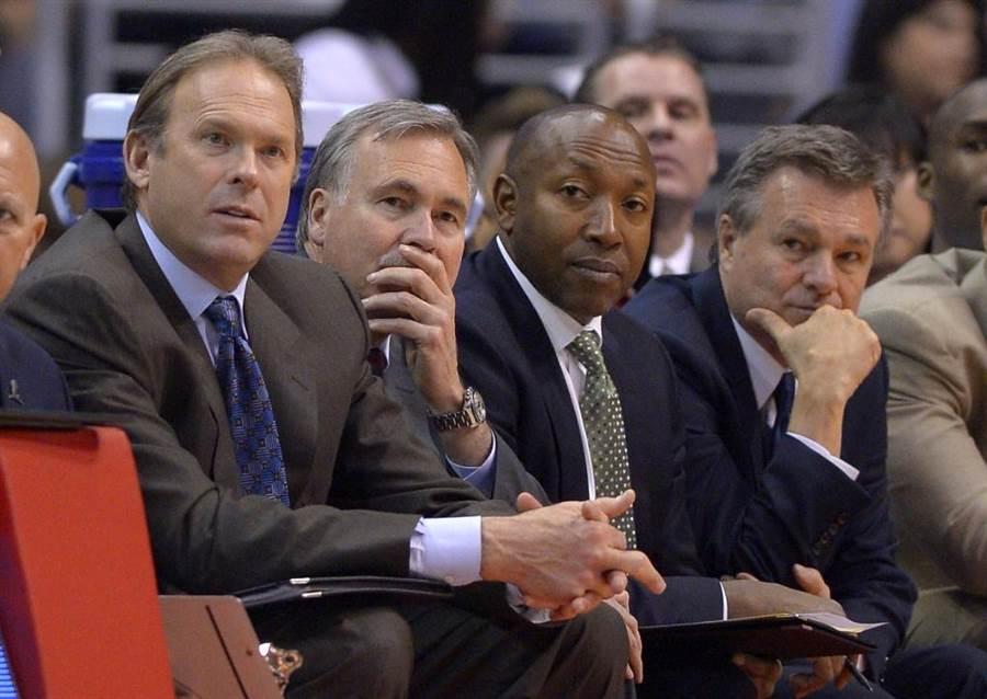 湖人蘭比斯(左)與前總教練丹托尼。(美聯社資料照)