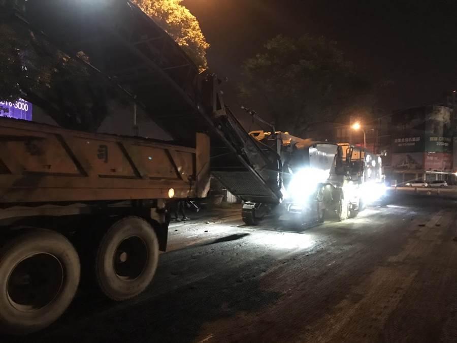台中市府建設局10日起至三天進行黎明路二段夜間路平施工專案,改善長度0.62公里。(盧金足翻攝)