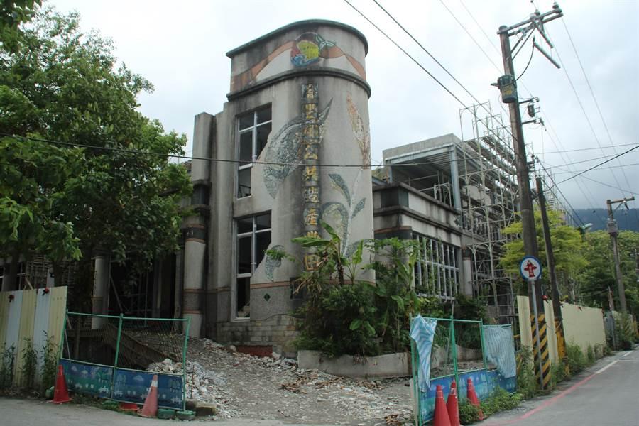 壽豐鄉廢棄豐田市場改建花蓮考古文化館,預計今年底落成啟用。(張祈攝)