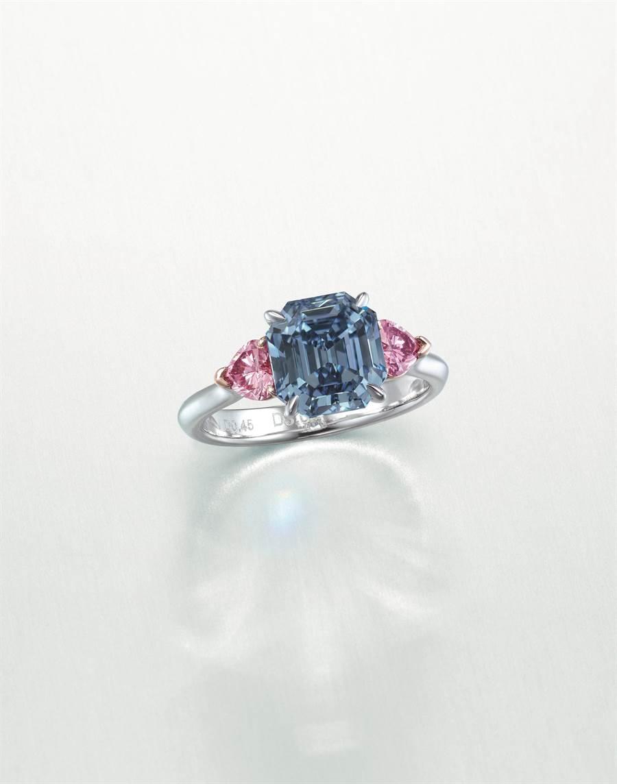 難得一見的3.01克拉鮮彩藍鑽,起拍價1.2億元。(Christie's提供)