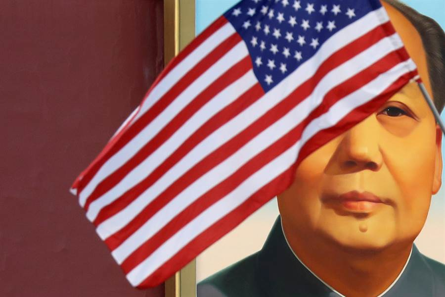 美國政府研究報告認為,固然對中國大陸商品增加的關稅有一部份會轉移到消費者身上,但大陸要承擔的部份比美國消費更多,因為其出口商品替代性較高。(圖/路透)