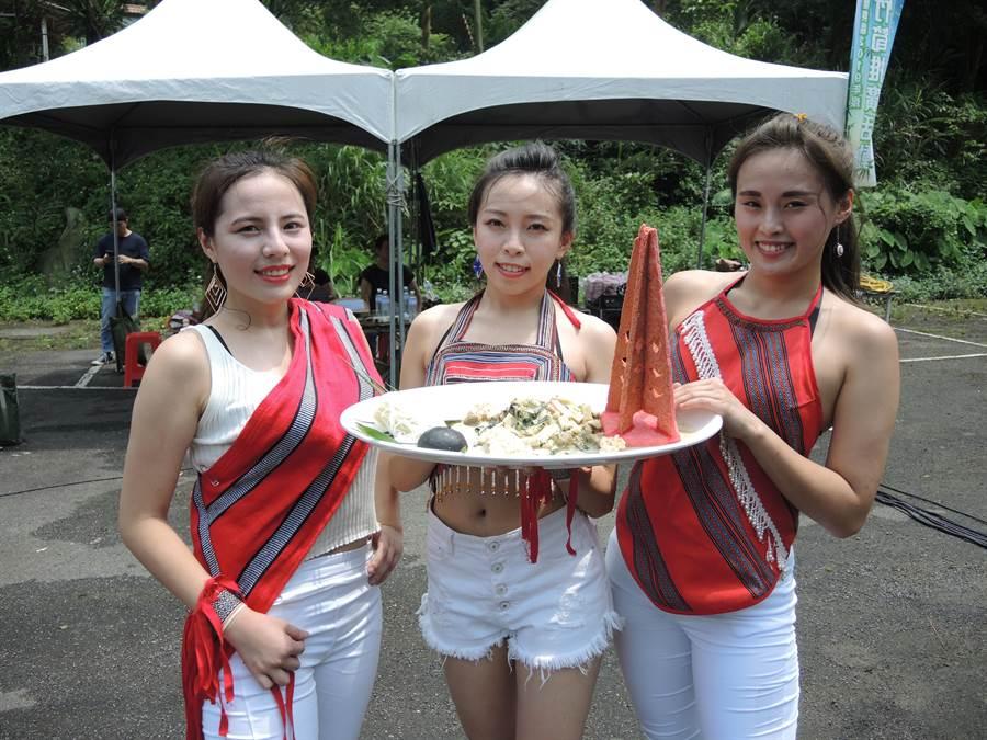 水蜜桃公主們說桂竹筍也好吃喔!(邱立雅攝)
