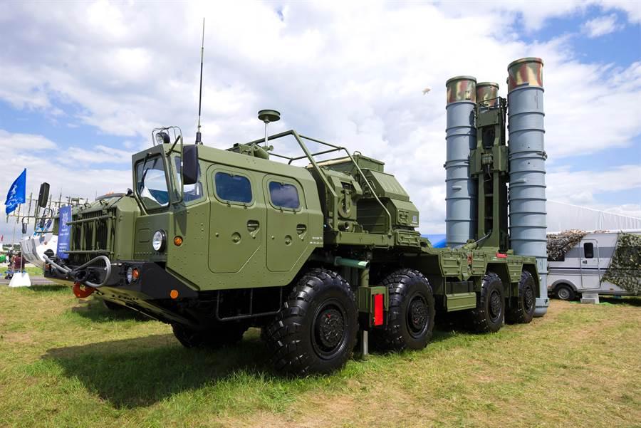 俄S-400飛彈防空系統的資料照。(達志影像/Shutterstock)