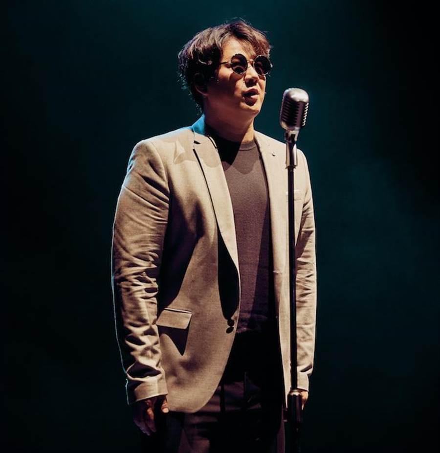 蕭煌奇在《台北男女》客串唱書人。表演工作坊提供