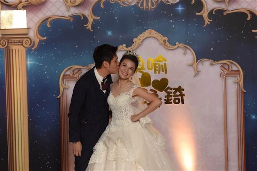 《甘味》女星步红毯 婚纱照拍3次原因曝光 - 中时电子报 Chinatimes.com -20190511002867