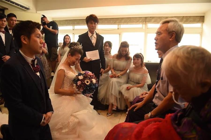 《甘味》女星步红毯 婚纱照拍3次原因曝光 - 中时电子报 Chinatimes.com -20190511002869