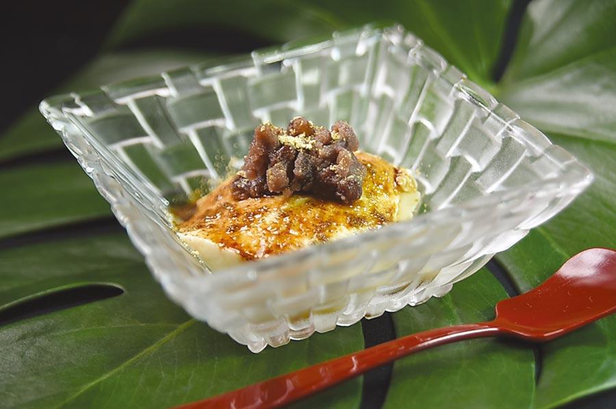 餐後甜點〈紅豆黑糖豆花〉,調味恰到好處,不會太過甜膩,所以吃得出豆香。圖/姚舜