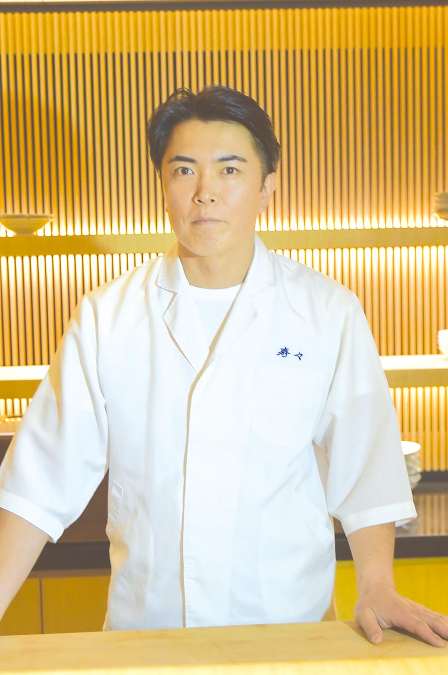 東京〈壽司處.壽壽〉的主人兼料理長藤居陽一郎,曾在日本壽司名店〈久兵衛〉歷練,2005年創業自立門戶。圖/姚舜