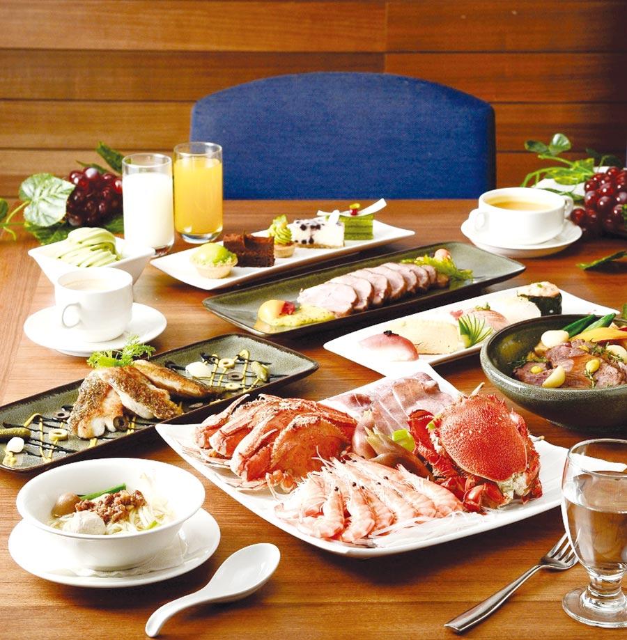 高雄國賓飯店超值謝師宴專案,中式宴席滿五桌免一成服務費,包廂自助餐每10位免費優待2位。圖/高雄國賓飯店提供