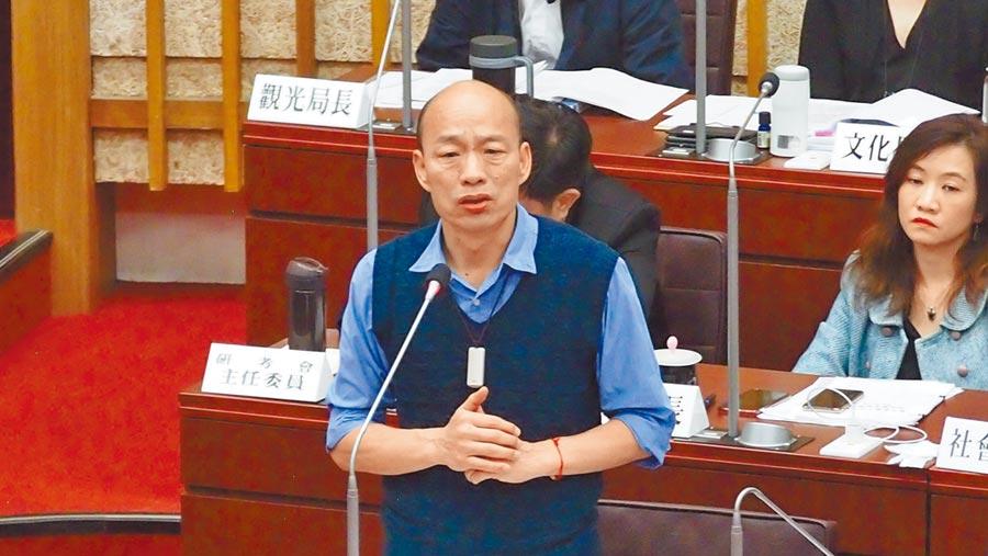 高雄巿長韓國瑜10日在高雄巿議會接受質詢。(曹明正攝)
