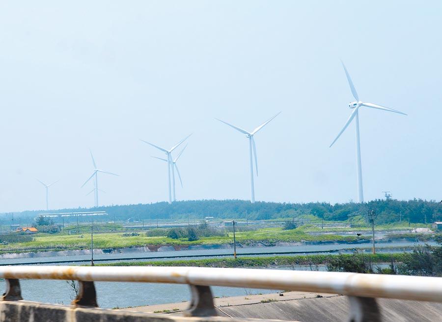 雲林沿海將設風力發電場,漁民擔心影響漁獲生計。(許素惠攝)
