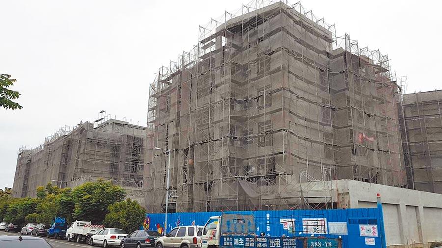 台東縣府的幸福住宅仍有76戶未賣出,縣府延長申請時間至17日。(楊漢聲攝)
