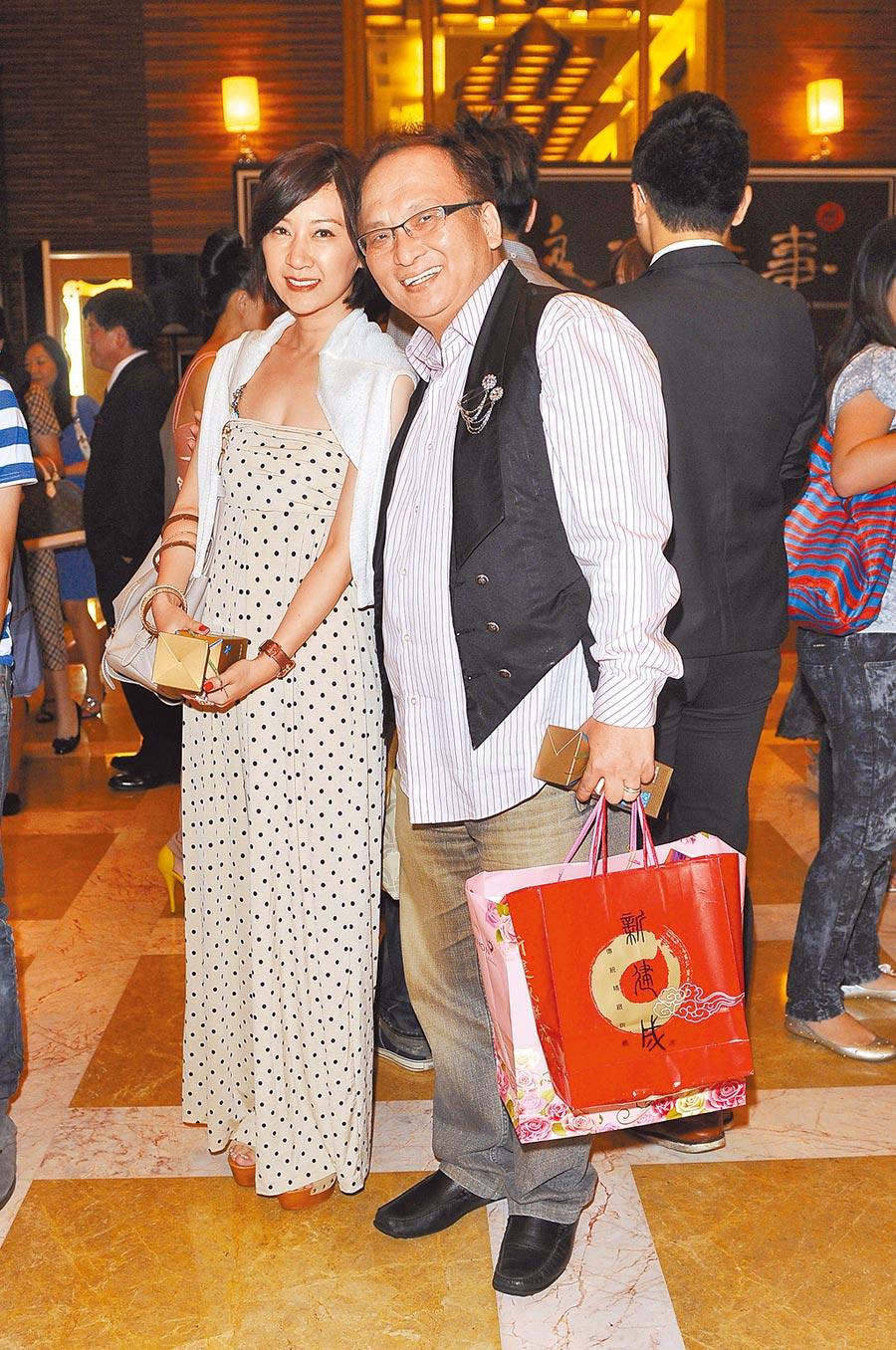 孔鏘(右)自嘆年輕為了拚事業,很少有時間陪老婆。(資料照片)