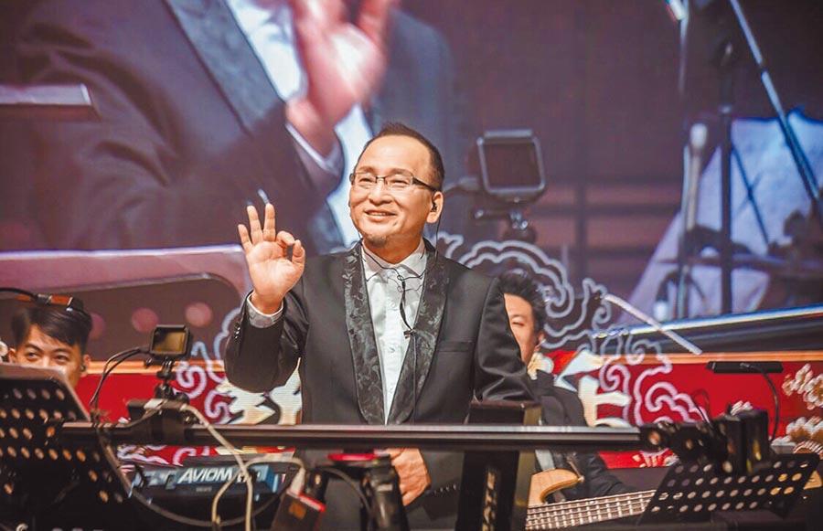 孔鏘從事音樂工作已經超過30年以上,是各大綜藝節目的常客。