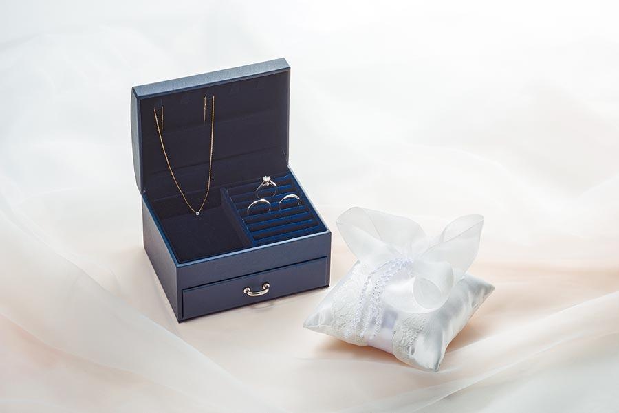 銀座白石母親節推出鑽戒9折和滿額禮限定活動。(Ginza Diamond Shiraishi提供)