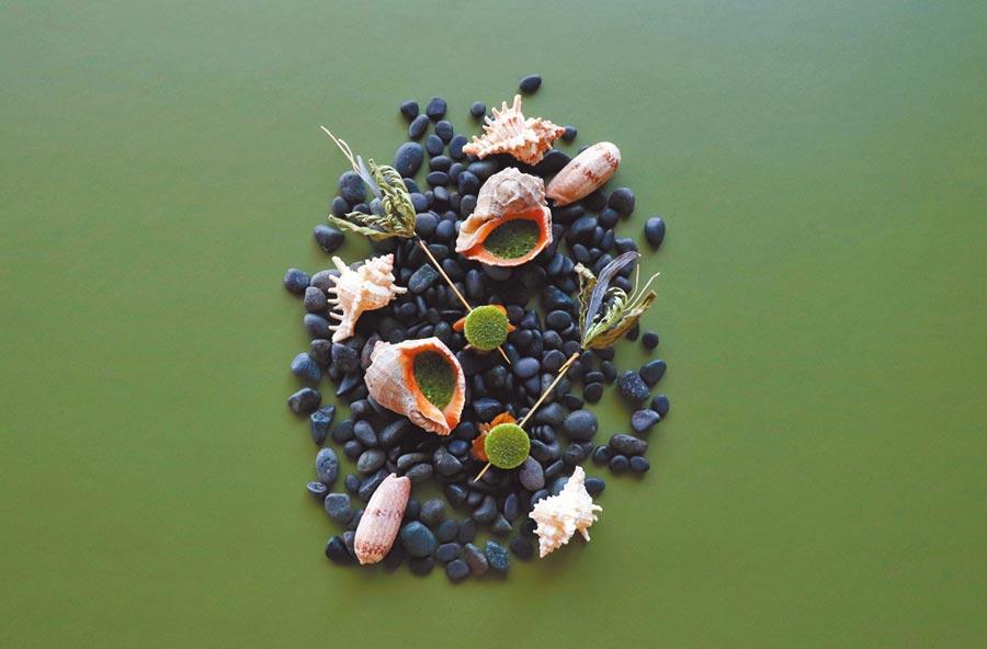RAW的每季料理都有從當季發想的元素,並巧妙運用在地食材。(RAW提供)