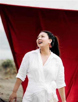 排灣族女歌手亞雅露  母親節唱母語