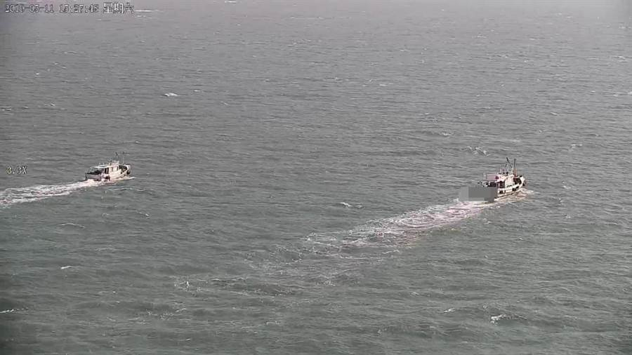 UAV無人機區隊出動至海上空拍蒐證。(謝瓊雲翻攝)