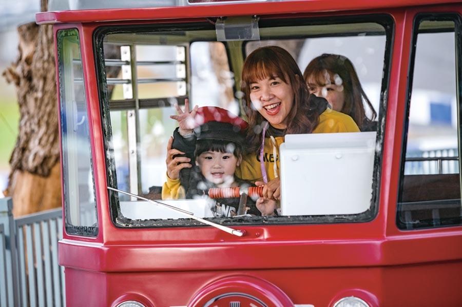 「賽道樂園」主題設施-滴答電車。圖/鈴鹿賽道樂園提供